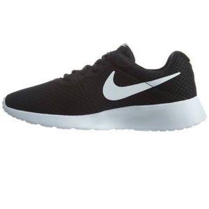 Nike Tanjun Men's Athletic Shoes